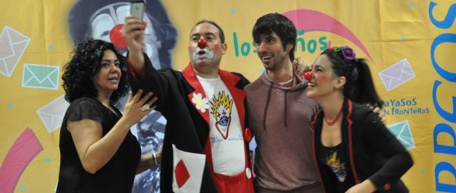 """""""Correos Reparte Sonrisas"""" con Payasos Sin Fronteras en el C.R.I. Zabaloetxe Goikoa"""